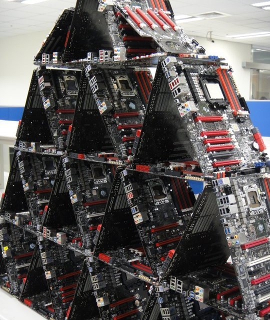 Piramida din placi de baza