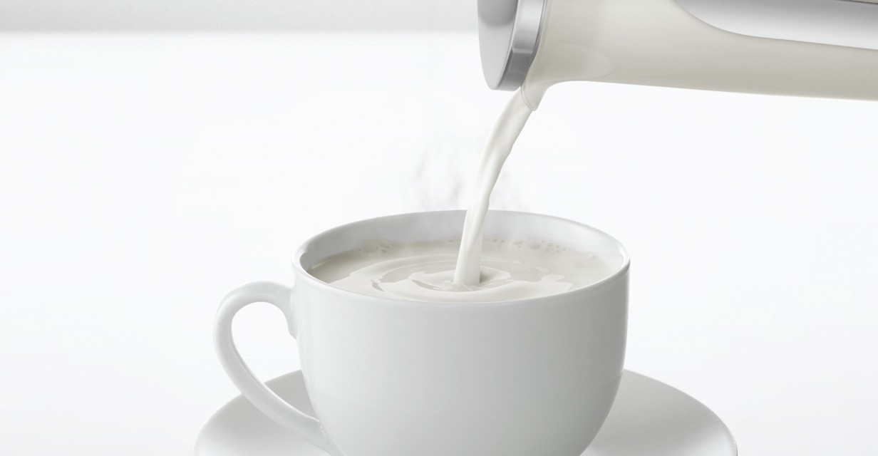 Removes the coffee from the coffee